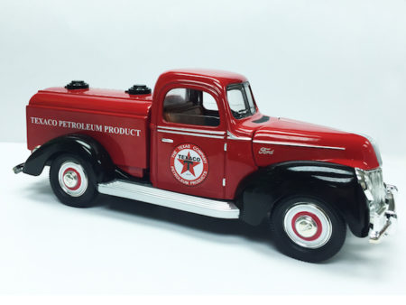 Chevron Texaco & Ford 1940 Official Licensed 1:18 Die Cast Tanker (Truck Size 9.5 Inches)