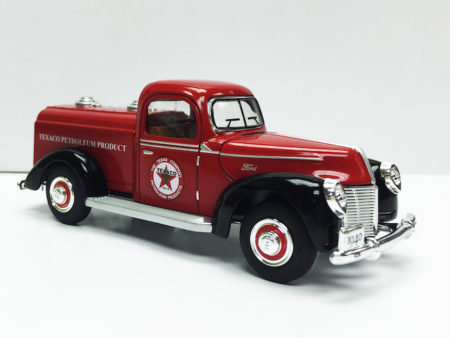 Chevron Texaco & Ford 1940 Official Licensed 1:32 Die Cast Tanker (Truck Size 5.5 inches)